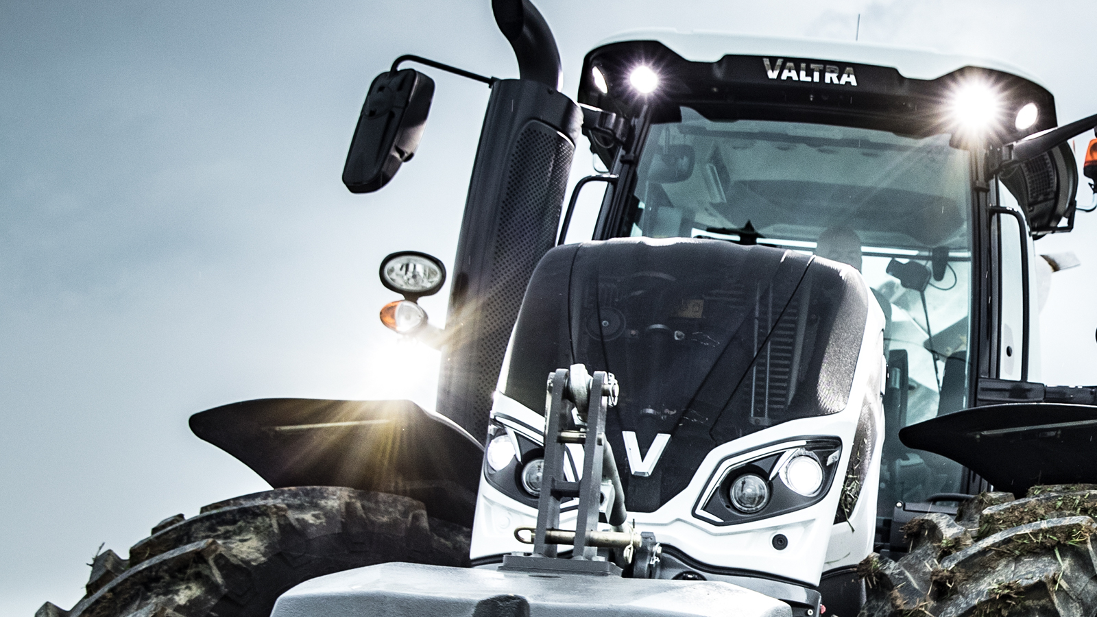 valtra tractor white front